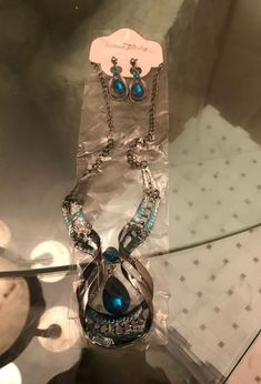 Jewelry set good price for Sale in West Palm Beach, FL - OfferUp Palm Beach Jewelry, West Palm Beach, Earrings, How To Make, Ear Rings, Stud Earrings, Ear Piercings, Ear Jewelry, Beaded Earrings Native