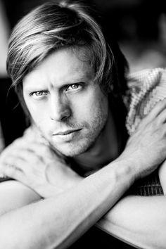 Felix Van Groeningen (nascido em 1977) é um flamengo diretor de cinema , produtor e roteirista.