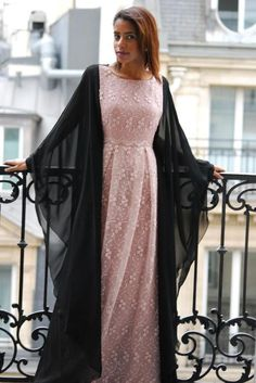 Nadya looking chic in a Roselle Signature piece ❤ Arab Fashion, Islamic Fashion, Muslim Fashion, Modest Fashion, Fashion Dresses, Muslim Dress, Hijab Dress, Abaya Designs, Islamic Clothing