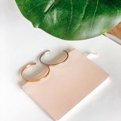 You'd never know from the outside that these are inspirational. And that's exactly why they're so special! Rose gold or silver.what's your favourite? Unique Mothers Day Gifts, Mother Day Gifts, Body Grow, Gifts For My Sister, Love My Body, Life Is Tough, Perfect Mother's Day Gift, Minimalist Jewelry