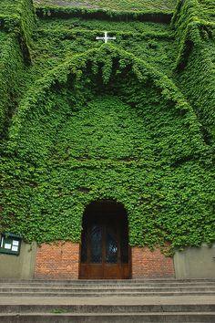 Green Church, Parroquia Jesús en el Huerto de los Olivos, Buenos Aires, Argentina