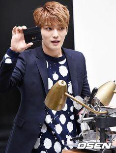Dear JJ at Moldir Pop-Up Shop at Busan ❤️ JYJ Hearts