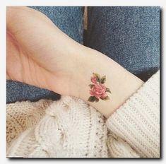 Small but expressive, stylish minimal tattoo models # expressive min . - Tatowierung Small But Mea Mini Tattoos, Body Art Tattoos, New Tattoos, Small Tattoos, Tatoos, Frog Tattoos, Color Tattoos, Piercing Tattoo, Piercings