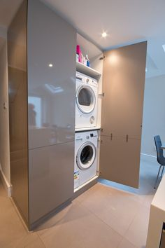 "Excellent ""laundry room stackable small"" info is offered on our internet site. R… – Lavanderia Profumata Laundry Cupboard, Utility Cupboard, Laundry Closet, Laundry Room Organization, Laundry Room Design, Drying Cupboard, Kitchen Diner Extension, Small Kitchen Diner, Space Kitchen"