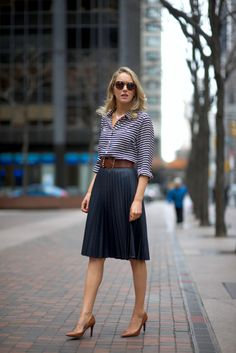 navy pleated midi skirt, striped shirt, cognac accents - The Classy Cubicle Fashion Mode, Office Fashion, Work Fashion, Modest Fashion, Fashion 2017, Petite Fashion, Skirt Fashion, Street Fashion, Womens Fashion