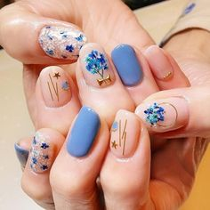 40 Classy Nail Art Ideas For Spring 2020 - Trending Fashion Style 40 Classy Nail Art Ideas For Sprin Classy Nail Art, Elegant Nail Art, Korean Nail Art, Korean Nails, Minimalist Nails, Hair And Nails, My Nails, Beauty Nail, Beauty Makeup