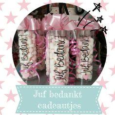 Koker met spekjes met juf bedankt  te bestellen via mijn site www.marlijnpoppendijn.nl  of te koop in de showroom Meer en Duin 239 te Lisse