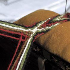 12 hosebånd, how to. Card Weaving, Tablet Weaving, Finger Weaving, Lucet, Viking Clothing, Tapestry Crochet, Yarn Crafts, Textile Art, Handicraft