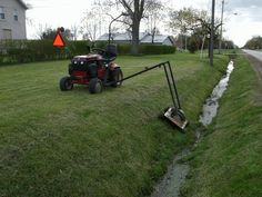 Here are a couple of photos of my ditch mower. The state thinks I need a canyon for a ditch, so after a year of weed eater tourture, I decided that there. Yard Tractors, Small Tractors, Tractor Mower, Compact Tractors, Riding Lawn Mower Attachments, Garden Tractor Attachments, Farm Tools, Garden Tools, Homemade Tractor