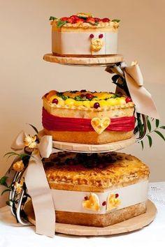 Cool wedding ideas: Ginger Pig Pork Pie Wedding Cake