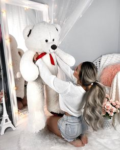Cue the lion king soundtrack 🦁 Teddy Girl, Big Teddy Bear, Giant Teddy, Teddy Photos, Teddy Bear Pictures, Bear Wallpaper, Love Wallpaper, Lion King Soundtrack, Teddy Beer