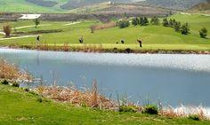 Turismo activo - Santa Clara Golf Granada ¿Aficionado al golf? Descubra este campo de golf premiado a tan solo 15 minutos del Valle de Lecrín.