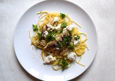 Spaghetti met makreel en citroen, Italiaans recept, gezond recept, vis recept, beautiful food, foodblog, foodpic, foodpics, eetfoto's, mooie eetfoto's, foodporn, healthy, food, voedsel, recept, recipe