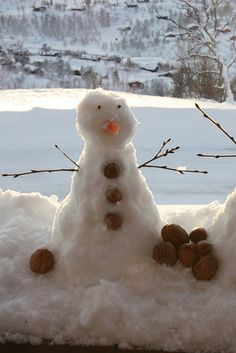 I find this little snowman utterly charming
