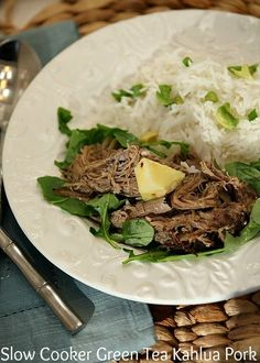 This tasted exactly like pork we had in Hawaii! Slow Cooker Green Tea Kahlua Pork Low Calorie Low Fat Healthy Dinner Recipe for your Crock pot Best Slow Cooker, Crock Pot Slow Cooker, Crock Pot Cooking, Slow Cooker Recipes, Crockpot Recipes, Pork Recipes, Real Food Recipes, Cooking Recipes, Healthy Recipes