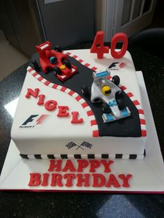 Formula one racing car 40th birthday cake Más