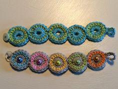 bracelet - easy and quick - crochet fever - Crochet bracelet -Crocheted bracelet - easy and quick - crochet fever - Crochet bracelet - Punch needle supplies available now. Diy Knitted Bracelets, Diy Bracelets With Names, Crochet Bracelet Pattern, Knit Bracelet, Bead Crochet, Crochet Earrings, Crochet Patterns, Diy Crochet, Knitting Patterns