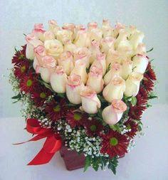 A vintage rose Valentine's arrangement..?   -> Svadbeni Dekoracii flowers.