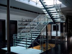 Jaroff Design Custom Glass Stair by Jaroff Design & Mison Concepts, via Flickr