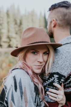 Vintage hat + graphic poncho + . pink highlights | Image by Marcela Pulido Photography