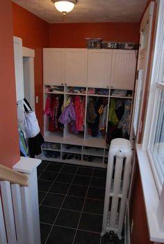Entryway organized storage