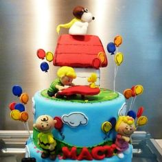 Snoopy and the gang cake