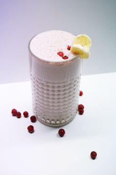 Schoko-Banane-Ribisel Smoothie #smoothie #shake #fitness #fitnessfood #paleo #vegan #paleodiet #paleofoodblog #paleorezept #paleorecipe #fruits