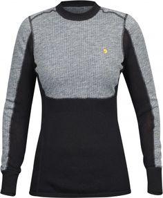 ee8b1433 Teknisk basislag sweater i en blanding af merinould. Tre forskellige  strikketeknikker brugt med henblik på