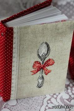 Вышитый блокнот - идея маленького бизнеса Cross Stitching, Cross Stitch Embroidery, Cross Stitch Patterns, Diy Room Decor For Girls, Recipe Book Templates, Key Crafts, Stitches Wow, College Crafts, Cross Stitch Finishing