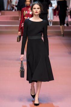 Dolce & Gabbana Fall 2015 Ready-to-Wear Fashion Show - Vasilisa Pavlova