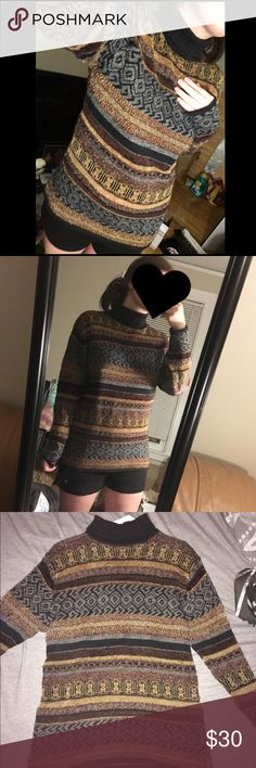 ✨Vintage turtleneck sweater Super cute sweater I bought on here, I just don't wear it as much as I thought I would 😭 Just trying to get close to what I paid back. Says M, fits oversized Tops