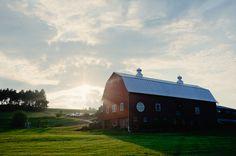 new york barn wedding by Divine Light Photography - http://www.dlweddings.com