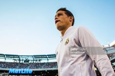 soccer-international-champions-cup-view-of-real-madrid-james-walking-picture-id586149170 (1024×683)