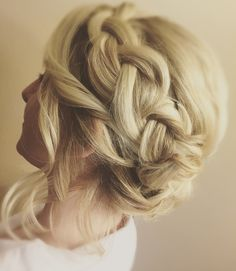Loose braided bridesmaid hairstyle on my bridesmaid client.