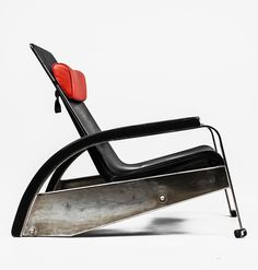 Jean Prouvé, Grand Repos adjustable chair. Model designed in 1928, but never went to mass-production until 1980s, then manufactured by Tecta. Only three original models/pieces are known (Vitra). Material steel and leather. / Google