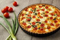 Recetas de quiche: 10 opciones diferentes Quiche Lorraine, Quiches, Mozzarella, Pizza And More, Empanadas, Food Photography, Brunch, Food And Drink, Appetizers