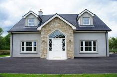 Donegal & Omagh Sandstone with Sandstone Window & Door Surrounds - Coolestone Stone Importers Suppliers Masonry Tyrone Northern Ireland Modern Bungalow Exterior, Modern Bungalow House, Modern House Facades, Modern Farmhouse Exterior, Bungalow Ideas, Dormer House, Dormer Bungalow, House Roof Design, Facade House