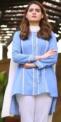 Beautiful Pakistani Dresses, Pakistani Dresses Casual, Pakistani Dress Design, Pakistani Girl, Pakistani Actress, Stylish Dress Book, Stylish Dresses For Girls, Simple Dresses, Casual Dresses
