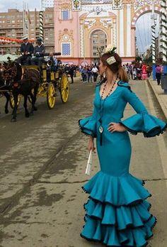 Traje de flamenca turquesa @flamencasconarte