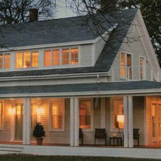 1.5 Storey Farmhouse Design Ideas, Pictures, Remodel, and Decor