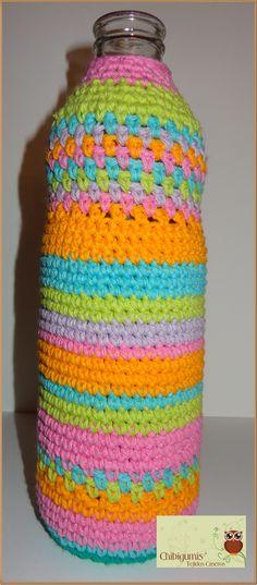 Objetos Utilitarias Botella tejida...técnica de amigurumi pura con hilo de algodón....