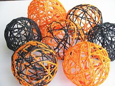 Halloween Yarn Spheres -- easy to do with household things.