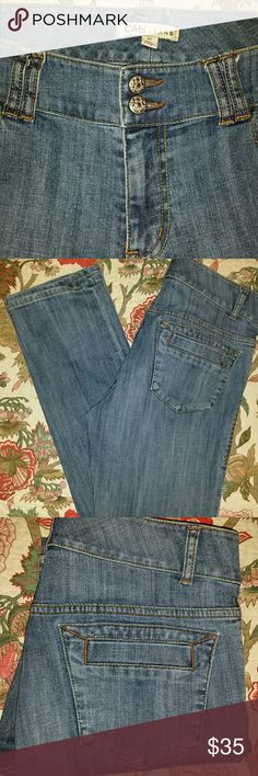 "CAbi Blue Jeans Wide Waistband Stretch Sz 12 99% Cotton 1% Spandex, Cute Back Pockets - see pic, 32"" Inseam, 35"" Waist, 10"" Rise, Cute Denim Jeans CAbi Jeans Straight Leg"