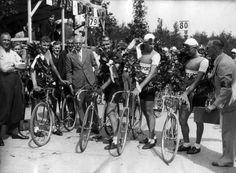 Huldiging eerste Nederlandse ploeg in de Tour de France 1936, Bergen op Zoom