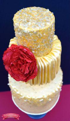 Cake Inspired by an Oscar de la Renta gown, worn by Cameron Diaz in 2011