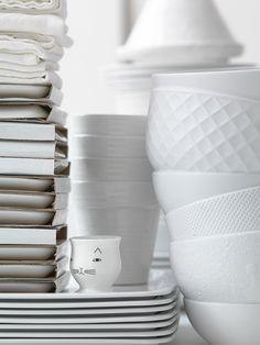 Mooie combinatie van wit servies. Van welk merk zijn die mooie schaaltjes‽