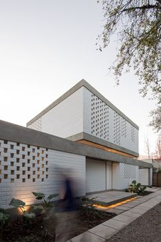 Gallery of House Viejo III / Max-A Arquitectura + Arquitectura del Paisaje - 8 Modern Architecture House, Residential Architecture, Interior Architecture, Facade Design, House Design, Interior Cladding, Brick Projects, Casa Patio, House Extensions