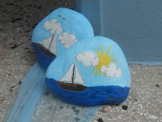 painted stones Painted Stones, Stone Painting, Decoupage, Drawings, Projects, Log Projects, Painted Rocks, Sketch, Portrait