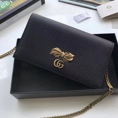 Gucci Leather Mini Bag With Bow 524293 Black 2018 Black Gucci Bag, Gucci Mini Bag, Gucci Handbags Sale, Gucci 2018, Designer Bags For Less, Mini Crossbody Bag, Bag Sale, Purse Wallet, Leather Bag