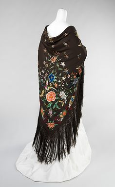 Chinese embroidered silk shawl with a theme of birds, flowers and insects, 1885-1910